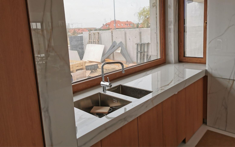 Spieki kwarcowe w kuchni zamontowane przez Mat-Kom
